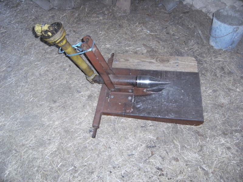 Recherche fendeuse a vis for Chevre pour couper le bois