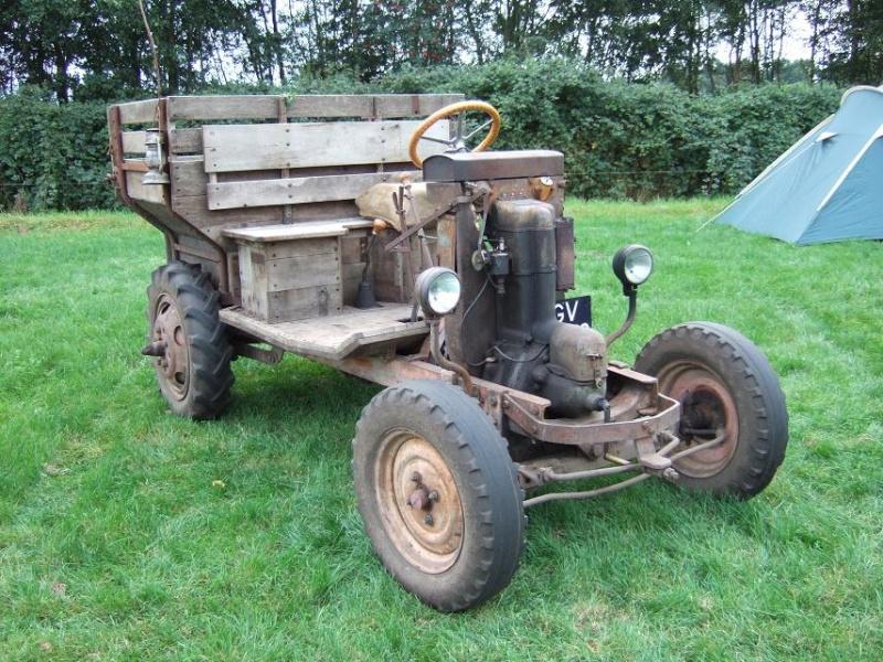 auto transform e en tracteur. Black Bedroom Furniture Sets. Home Design Ideas