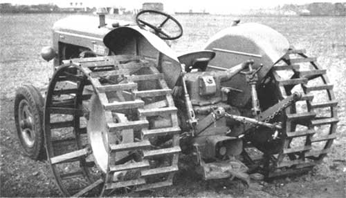 Iron Wheel Tractors : Jantes larges