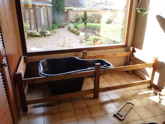 essai d 39 un mini bassin interieur. Black Bedroom Furniture Sets. Home Design Ideas