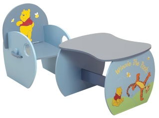 table et chaise au choix hello kitty ou winnie l ourson. Black Bedroom Furniture Sets. Home Design Ideas
